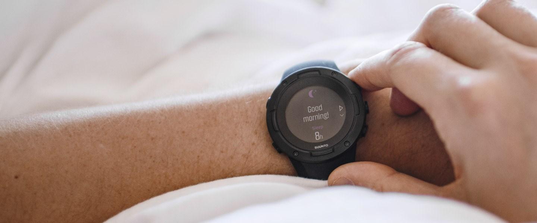 Suunto 5 alvás és aktivitásmérés